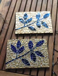 Excited to share the latest addition to my shop: Decorations made with mosaic tiles Mosaic Tray, Glass Mosaic Tiles, Mosaic Projects, Mosaic Ideas, Mosaic Pictures, Mosaic Flowers, Mosaic Madness, Glass Wall Art, Pallet Art