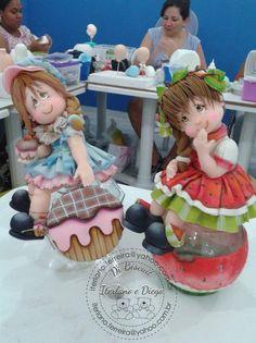 Coisas que adoro diy arts and crafts ideas - Diy Polymer Clay Figures, Polymer Clay Dolls, Fondant Figures, Polymer Clay Projects, Polymer Clay Creations, Clay Crafts, Box Surprise, Clay Jar, Clay Figurine