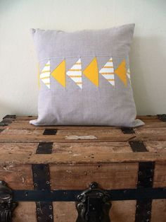 Flying Geese Pillow Cover - Yellow and Linen