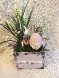Easter Flower Arrangements, Easter Flowers, Easter Activities, Hoppy Easter, Easter Holidays, Arte Floral, Easter Wreaths, Spring Crafts, Easter Baskets
