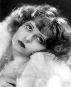 Bow086 - Clara Bow - Silent Movie Star - More at http://cine-mania.it