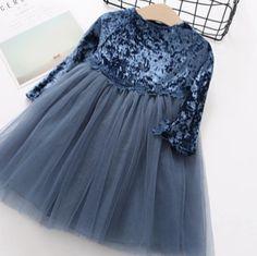 3 отметок «Нравится», 1 комментариев — Детская одежда   Чебоксары (@home_clothes_for_kids) в Instagram: «Платье на заказ! 2 цвета! Цена 1500-1600₽. Размеры 2-6 лет.#платьедлядевочки #одеждадлядетей…»