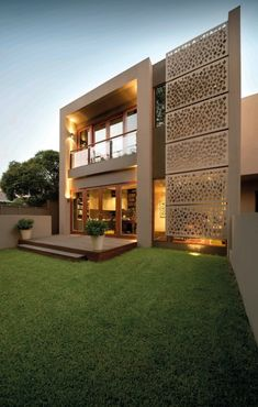 More than 41 unique Contemporary Exterior Design ideas which you can easily incorporate. Choose any of the listed Contemporary Exterior Design to get an exclusive look at your house. Architecture Design, Islamic Architecture, Residential Architecture, Contemporary Architecture, Contemporary Homes, Design Exterior, Facade Design, Modern Exterior, Screen Design