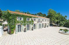 Your Glorious Domaine du Mont Leuze