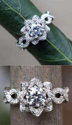 Above view of flower wedding ring~