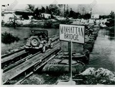 1943-photo-manhattan-bridge-wwii1 Military Jeep, Old Jeep, Manhattan Bridge, Jeep Willys, Jeep Stuff, Jeeps, World War Ii, Bridges, Wwii