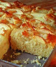 Der beste Apfelkuchen der Welt!  Schmeckt auch super mit gehackten Walnüssen im Guss
