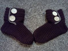 Ravelry: Slipper Boots pattern by Denisse Esparza