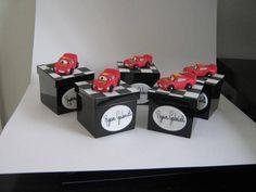 caixinha+de+acrilico,colorida,com+biscuit+tema+carros+disney,podemos+fazer+tambem+os+outros+personagens! R$ 6,60