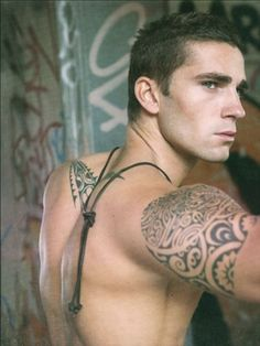 Staright Dude With Tats Very Hot On Cam