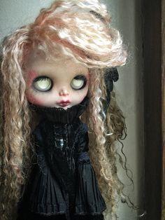 Basilea ~ custom doll ~ ooak ~ fashion doll ~ blythe doll ~ big eyes ~ reerot hair ~ gothic doll