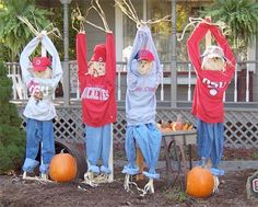 COOL FOR HALLOWEEN! I LOVE IT -                ScareCrows