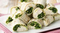 Ideal auch zum Mitnehmen: Hähnchen-Wraps mit Rucola | http://eatsmarter.de/rezepte/haehnchen-wraps-mit-rucola