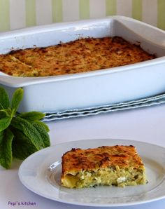 Pepi's kitchen: Κολοκυθόπιτα χωρίς φύλλο – Athanasia Karas – macedonian food Greek Recipes, My Recipes, Cooking Recipes, Favorite Recipes, Greek Pita, Zucchini Pie, Macedonian Food, Savory Tart, English Food