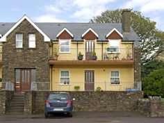 PRICE FROM £256.00 PW SLEEPS 4 BEDROOMS 2 BATHROOMS 2 PET FREE This spacious and comfortable two bedroom property in County Kerry is able to sleep up to four people.