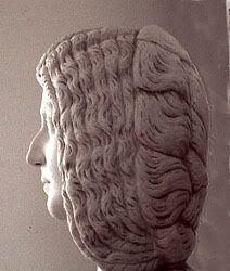 coiffure à crans de julia domna