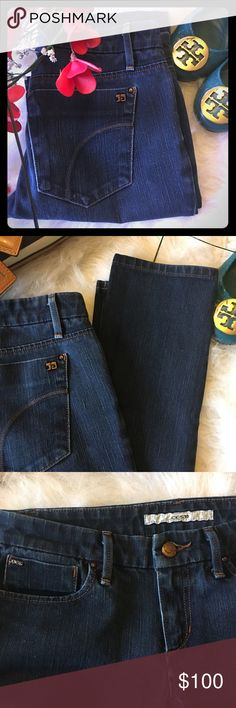 """NWOT Joe's Cigarette Jeans Never worn!!! They're skinny but the ankles are more of a straight fit with a 6"""" opening. Wash is the Mulholland. Inseam is 32"""" from crotch to ankles. Waist is 14"""" laying flat. Size 26. Denim is dark blue as seen in pics. Joe's Jeans Jeans Skinny"""