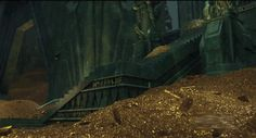 Benedict in Erebor, photobombing what will rise from that pile of decadence and reveal itself to be Smaug the Magnificent.