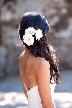 Свадебные цветы в голове