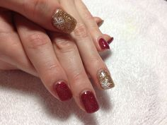 Red and gold glitter gel with hand painted snowflake #winter#christmas#snowflakes#beauty#fashion#trends