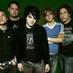 I love Gerard's look here