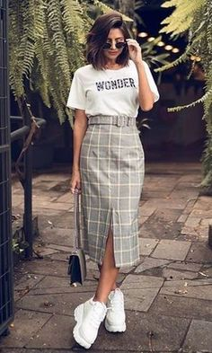 Modest Outfits, Skirt Outfits, Chic Outfits, Summer Outfits, Fashion Outfits, 70s Fashion, Love Fashion, Korean Fashion, Look Office