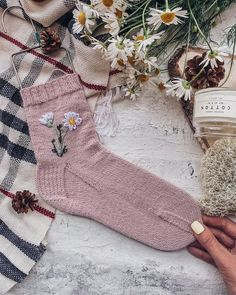 Wool Embroidery, Looks Style, Knitting Socks, Knit Crochet, Diy And Crafts, Pajamas, Stockings, Girly, Textiles