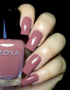 Zoya Naturel Deux Madeline - muted rose creme - love this polish the nails are a little long for my taste Gradient Nails, Holographic Nails, Acrylic Nails, Stiletto Nails, Coffin Nails, Zoya Nail Polish, Nail Polish Colors, Nail Nail, Cute Nails