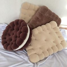 Food Pillows, Cute Pillows, Diy Pillows, Decorative Pillows, Room Ideas Bedroom, Bedroom Decor, Oreo, Cute Furniture, Pillow Crafts