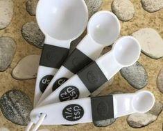 Resep Donat Kentang Empuk oleh Fitri Sasmaya - Cookpad Indonesian Food, Measuring Spoons, Cookie Recipes, Bakery, Bread, Recipes For Biscuits, Indonesian Cuisine, Biscuits, Brot
