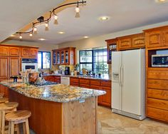 Kitchen Track Lighting Ideas Mesmerizing Small Kitchen Remodels Design Pictures Remodel Decor And Ideas . Design Inspiration