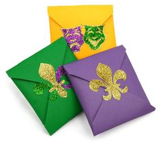 praline treats for guests to take home a`la Brennan's wrapped in cardstock and sealed with fleur de lis sticker  #mardigras #partyfavor