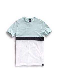 Now, the nautica t-shirt is undoubtedly an essential and accommodating building stop for getting a wide range of Polo Outfits that is effective very well for both females and males. Casual T Shirts, Boys T Shirts, Tee Shirts, Shirt Logo Design, Shirt Designs, Levis T Shirt, Polo Outfit, Camisa Polo, Boy Outfits