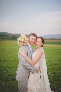 """<strong class='info-row'>Brit Perkins Photography</strong> <div class='info-row description'><html>  <head></head>  <body>    Bonnie and Corey were married at The Barn at Boyden Farm in Cambridge, Vt. on August 15.  Venue:    <a href=""""https://www.weddingwire.com/biz/the-barn-at-boyden-farm-cambridge/0b2e1c9bfa7ab6e6.html"""" target=""""_blank"""">The Barn ay Boyden Farm</a>   </body> </html></div>"""