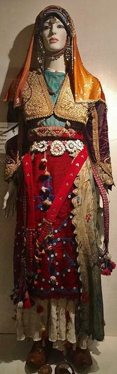 A traditional festive costume from the northern part of the Manisa province.  Ca. 1925-1950.  Ethnic group: Alevi Türkmen.   On exhibit in the Bergama Museum.
