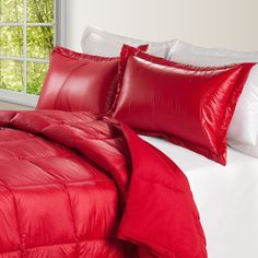 Alwyn Home Ultra Light Nylon and Microfiber Down Alternative Indoor/Outdoor Comforter Size: Full/Queen, Color: Coral Twin Comforter, Bedding Sets, Mattress Brands, Space Furniture, Bedroom Furniture, Bedroom Decor, Baby Clothes Shops, Indoor Outdoor, Bed Pillows