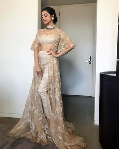 Beautiful divya khosla kumar at iifa Party Wear Indian Dresses, Designer Party Wear Dresses, Indian Fashion Dresses, Indian Bridal Outfits, Dress Indian Style, Indian Gowns, Indian Designer Outfits, Indian Wear, Mehendi Outfits