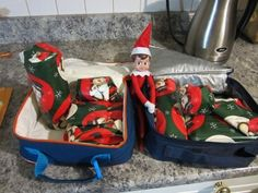 Elf on the Shelf wraps everything in the school lunch box!  All your Elf on the Shelf Ideas from Valley Family Fun www.ValleyFamilyFun.ca