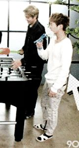 Xuimin slapping himself across the face and kris laughing at him #EXO #Xuimin #Kris