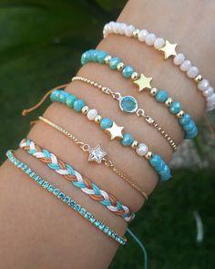 Diy Bracelets Easy, Bracelet Crafts, Handmade Bracelets, Jewelry Crafts, Handmade Jewelry, Cute Jewelry, Beaded Jewelry, Jewelry Bracelets, Jewellery