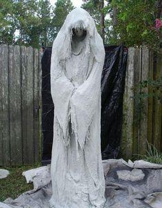Solch Eine Gespenstische Ghost Dekoration Kann Aus Cheesecloth Und