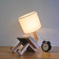 Beautiful Cdet Lampe de Chevet en Forme de Robot Artisanale en Bois Amazon fr