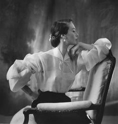 Henry Clarke, Vogue France, May 1951 © Henry Clarke / Galliera. / http://www.yatzer.com/papier-glace-palais-galliera