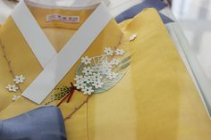 Korean embroidery on a hanbok. Very delicate. 달숲의 실로 짓는 이야기 : 네이버 블로그 Korean Hanbok, Korean Dress, Korean Traditional Dress, Traditional Dresses, Asian Crafts, Worship Dance, Modern Outfits, Handmade Clothes, Asian Fashion