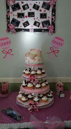 Minnie babyshower cake