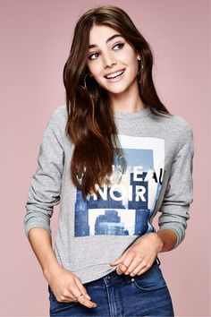 "A gray photographic sweatshirt is the new black...or should we say ""le nouveau noir?"" │ H&M Divided"