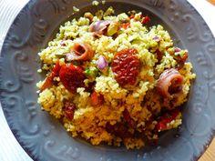 Bulgur con pomodorini secchi, pistacchi ed alici per la ricetta:http://www.frittomistoblog.it/2015/02/bulgur-con-pomodorini-secchi-pistacchi.html