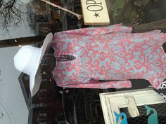Pink & Blue Patterned Tunic w/ White Floppy Hat. Great Beach/Pool Look!