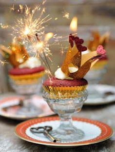 CORRE, QUE A FESTA VAI COMEÇAR!!!!   O ano só está no terceiro mes,  é já estamos com tantas festas  pela frente...  Aniversários, ...