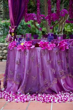 The Matte Satin Baja Orchid Table Linen is glistening, smooth, traditional party linens, ready to be dressed up to fit your specific event needs. Purple Party, Purple Wedding, Summer Wedding, Wedding Flowers, Dream Wedding, Wedding Bride, Wedding Table, Decoration Table, Reception Decorations